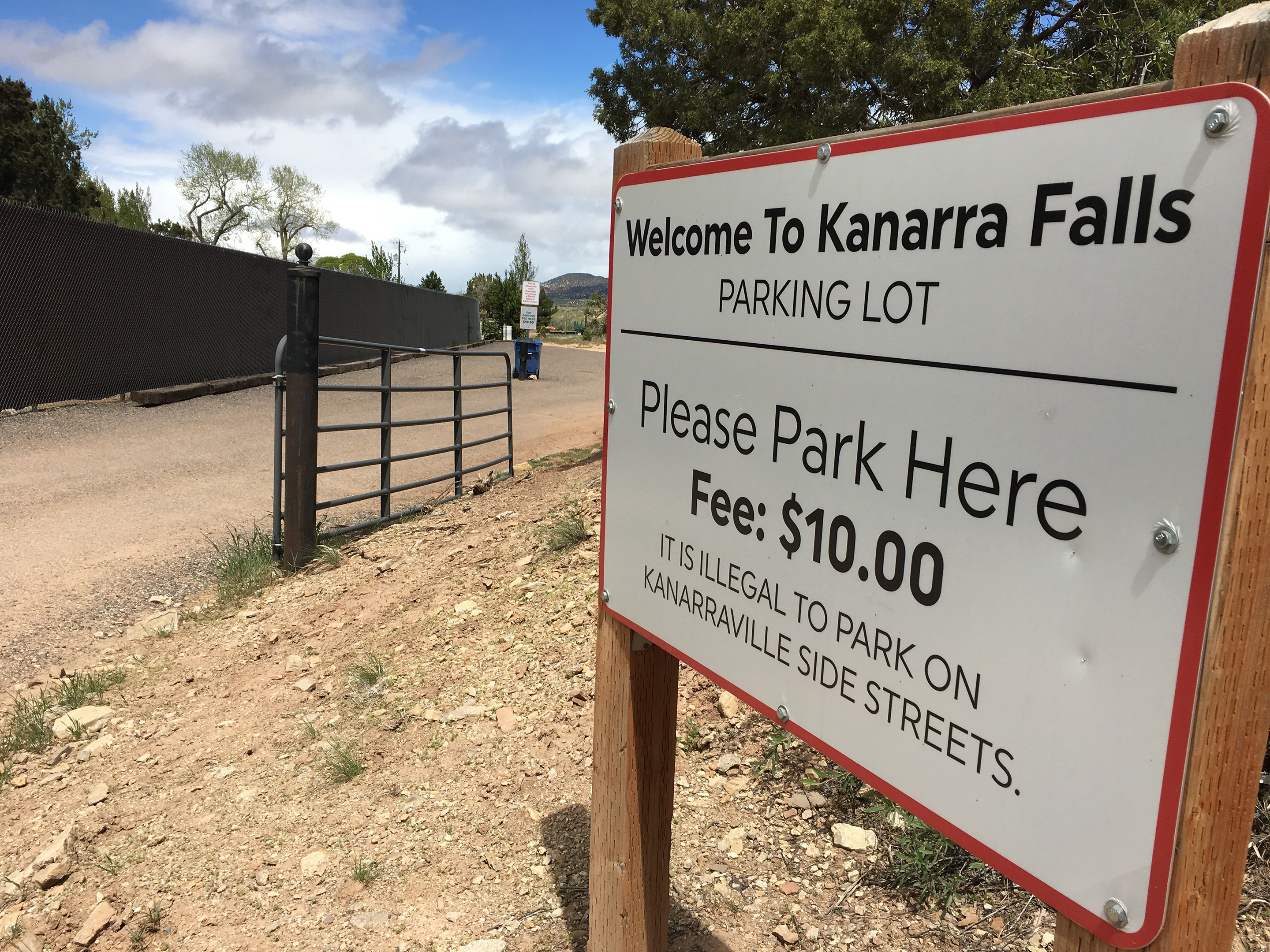 Kanarra Falls parking lot