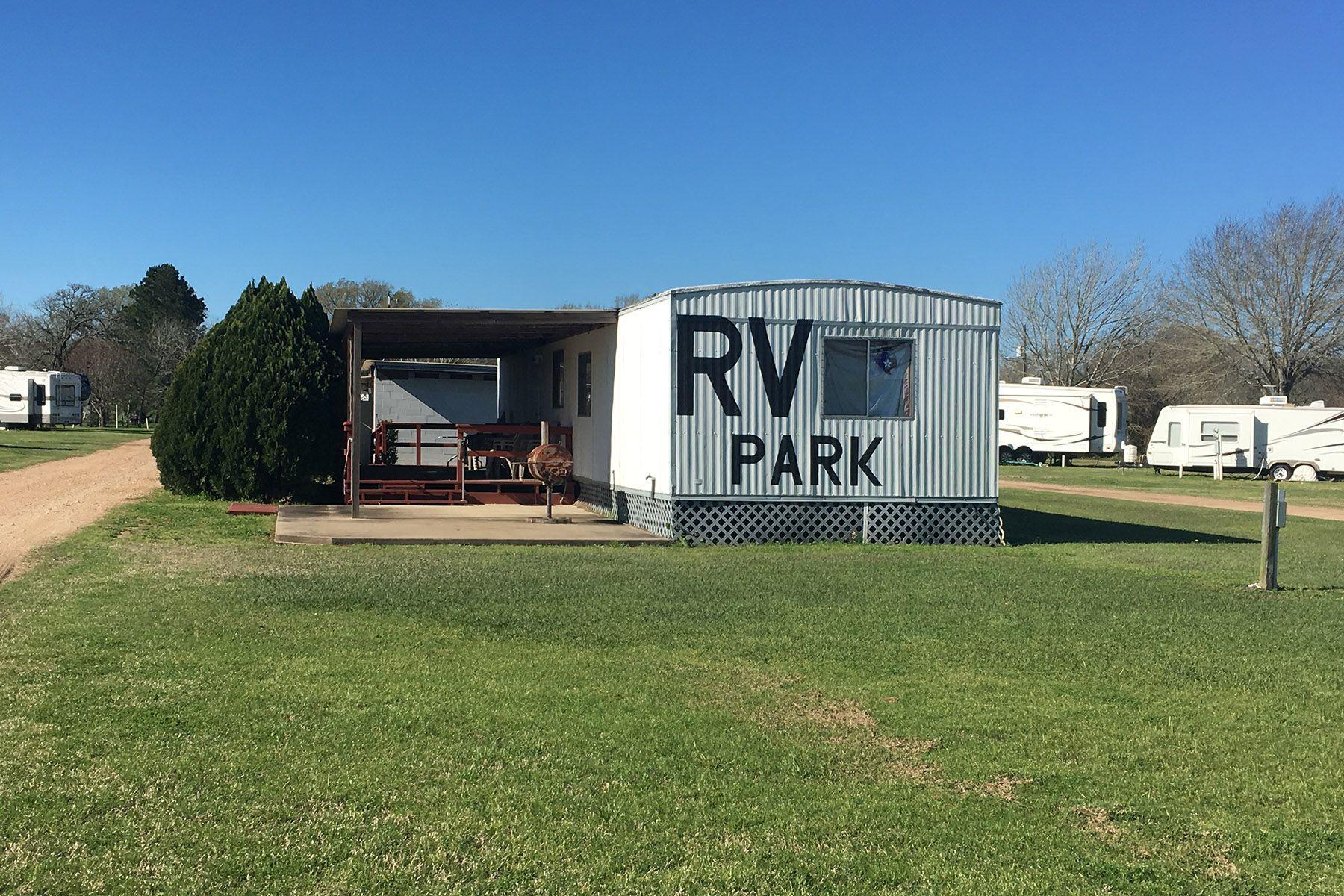 RV park review:  Dixieland RV Park
